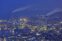 具定展望台から眺める四国中央市と瀬戸内海の夜景