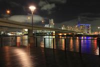 横浜コットンハーバーから望むみなとみらいの夜景
