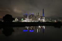 高島水際線公園から眺めるみなとみらいの夜景 02350003419| 写真素材・ストックフォト・画像・イラスト素材|アマナイメージズ