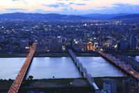 梅田付近から望む淀川の夕景