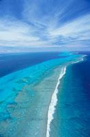 珊瑚礁の島空撮