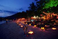 サイリービーチに並ぶレストラン