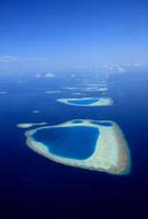 モルディブ・アリ環礁の空撮