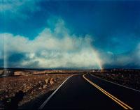 道路と虹 02355000013| 写真素材・ストックフォト・画像・イラスト素材|アマナイメージズ