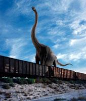 貨物列車とブラキオサウルス