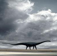 空港の滑走路を歩くセイスモサウルス