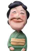 和服姿で微笑む女性 02374000171| 写真素材・ストックフォト・画像・イラスト素材|アマナイメージズ