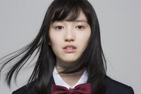 日本人の女子高生 02381000582| 写真素材・ストックフォト・画像・イラスト素材|アマナイメージズ