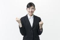 リクルートスーツの若い女性 02381001257| 写真素材・ストックフォト・画像・イラスト素材|アマナイメージズ