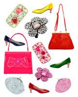 ピンクのバックと靴と小物