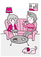 ソファーでくつろぐ男女