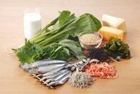 栄養素2群(カルシウム)を多く含む食材 02428000158| 写真素材・ストックフォト・画像・イラスト素材|アマナイメージズ