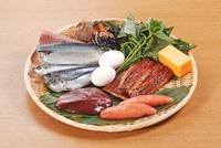 ビタミンB2を多く含む食材 02428000170| 写真素材・ストックフォト・画像・イラスト素材|アマナイメージズ