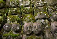 愛宕念仏寺の羅漢さん 02431000012| 写真素材・ストックフォト・画像・イラスト素材|アマナイメージズ