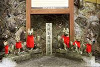 有馬稲荷神社のお稲荷様 02431000082| 写真素材・ストックフォト・画像・イラスト素材|アマナイメージズ