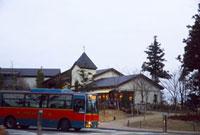 六甲ガーデンテラスと六甲山上循環バス 02431000102| 写真素材・ストックフォト・画像・イラスト素材|アマナイメージズ