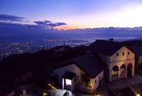 六甲ガーデンテラスから望む神戸の夕景 02431000104| 写真素材・ストックフォト・画像・イラスト素材|アマナイメージズ