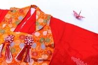 七五三の着物と折鶴 02431000114| 写真素材・ストックフォト・画像・イラスト素材|アマナイメージズ