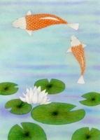 二匹の鯉と蓮の花と葉