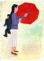 傘を持つ女性と走る男