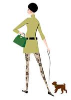 犬を連れている女性