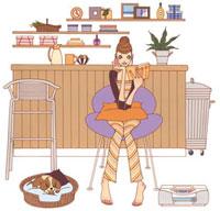カウンターの前で本を読んでいる女性 02463000238| 写真素材・ストックフォト・画像・イラスト素材|アマナイメージズ