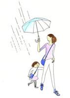 傘を差すお母さんに駆け寄る女の子 02463000354| 写真素材・ストックフォト・画像・イラスト素材|アマナイメージズ