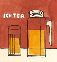 アイスティーのボトルとカップ