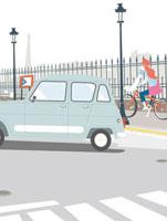 車と自転車に乗る女性