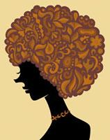 サイケデリックな柄の頭をした女性の横顔