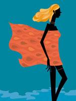 ローブをまとって歩く女性 02463000486| 写真素材・ストックフォト・画像・イラスト素材|アマナイメージズ