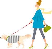 犬の散歩をしている女性