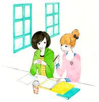勉強しながら会話している二人の学生 02463000548| 写真素材・ストックフォト・画像・イラスト素材|アマナイメージズ