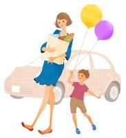 買い物袋を抱えた母親と子供と車 02463000819| 写真素材・ストックフォト・画像・イラスト素材|アマナイメージズ