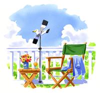 カモメの風見鶏と木製のテーブルとチェア 02463001056| 写真素材・ストックフォト・画像・イラスト素材|アマナイメージズ
