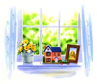 窓辺に乗っている黄色い花と小さい家と写真立て 02463001180| 写真素材・ストックフォト・画像・イラスト素材|アマナイメージズ