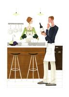 レストランでワインの銘柄を確認する男性 02463001202| 写真素材・ストックフォト・画像・イラスト素材|アマナイメージズ
