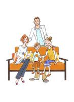 ソファでくつろぐ家族