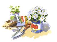 空き缶で作られた花器