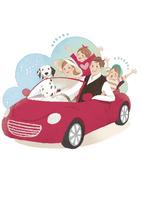赤い車でドライブに出かける家族と犬 02463001647| 写真素材・ストックフォト・画像・イラスト素材|アマナイメージズ