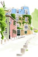 ヨーロッパ風の建物と上り坂