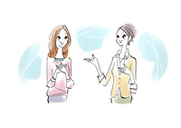 会話をする女性二人 02463001744| 写真素材・ストックフォト・画像・イラスト素材|アマナイメージズ