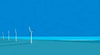 夜の海岸にいくつも並ぶ風車