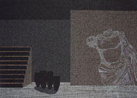 壁に囲まれた階段のある場所の壊れた銅像のイメージ