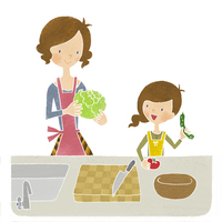 母と娘で料理、サラダづくり