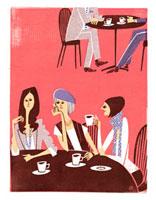 カフェでおしゃべりする女性3人