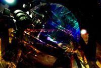 プラズマ発生装置と鉄製の光学機械