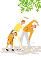 公園の木陰で体操するファミリー