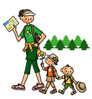 地図を片手にハイキングをするお母さんと子供たち