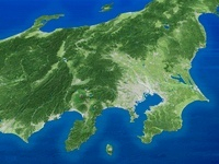太平洋上空から日本列島中央部の平野を望む